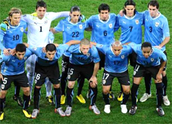 Uruguay plays the Semi-Finals against Netherlands in the South Africa world cup 2010, an stage where the national teams play a standard single elimination game, there are no ties during the match and after 90 minutes if ends draw there are two extra times of 15 minutes and if draw to the penalty kicks to know the winner of the round Semifinal go to the final